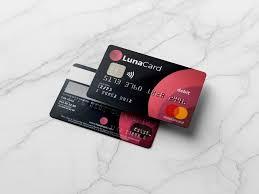 Por medio de la aplicación móvil puedes solicitar la tarjeta Lunacard.