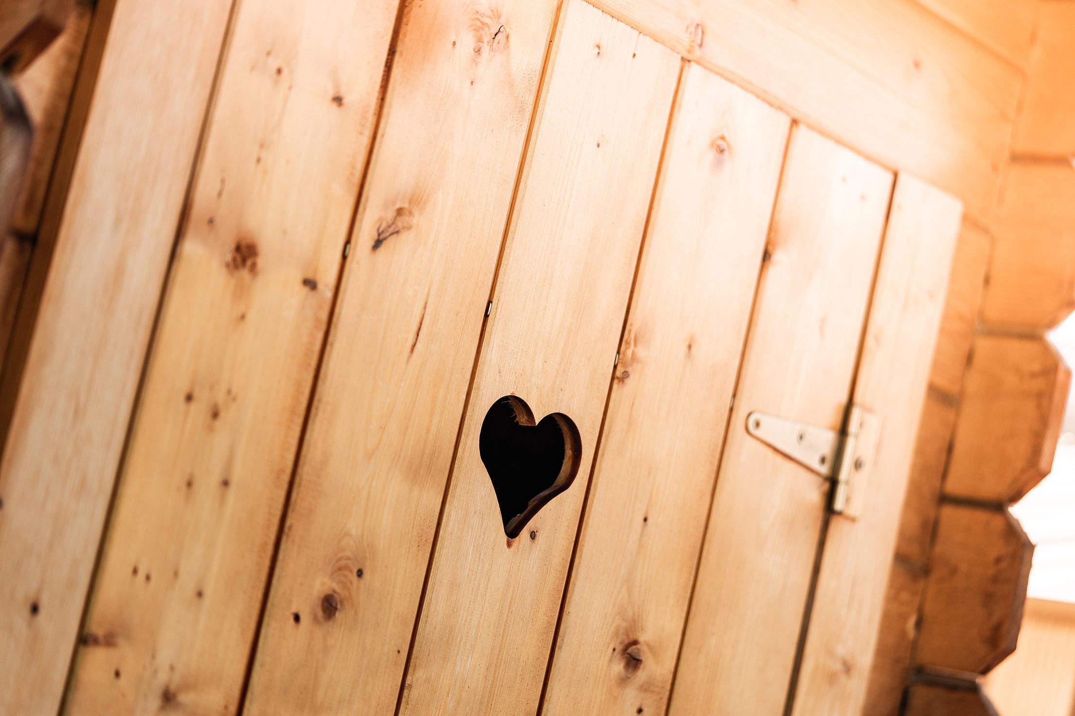 Imagen que contiene hecho de madera, interior, madera, muebles  Descripción generada automáticamente