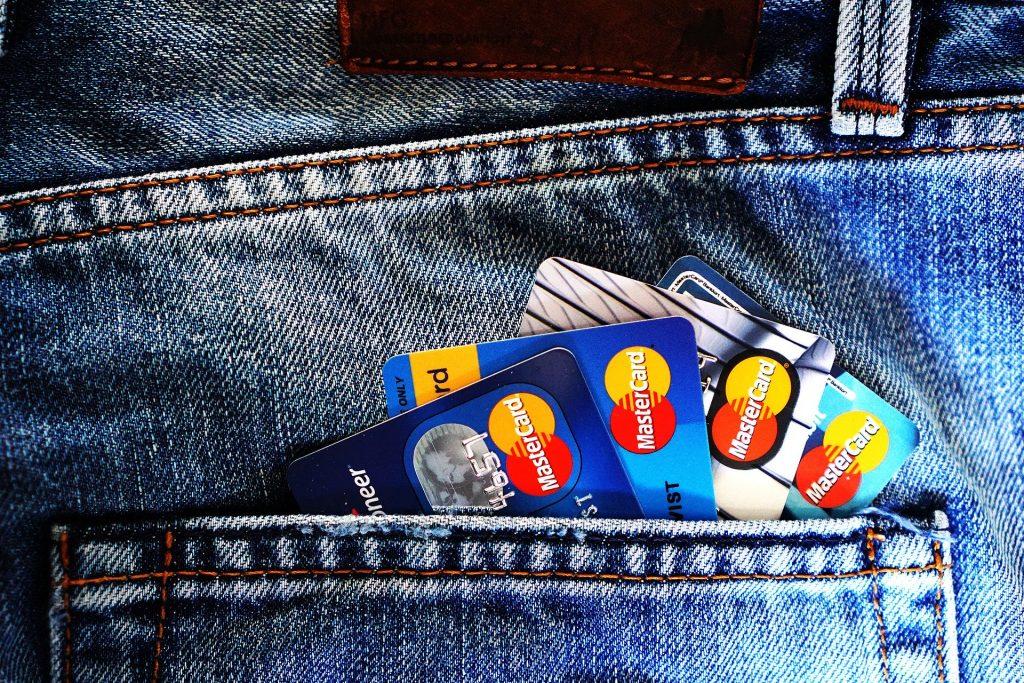 Las cuentas para extranjeros deben permitir transferencias en diferentes divisas.