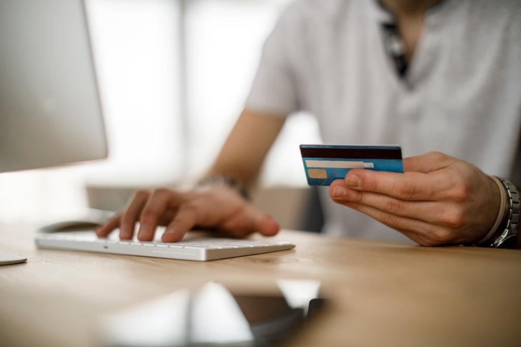 como cobrar con tarjeta de credito por internet