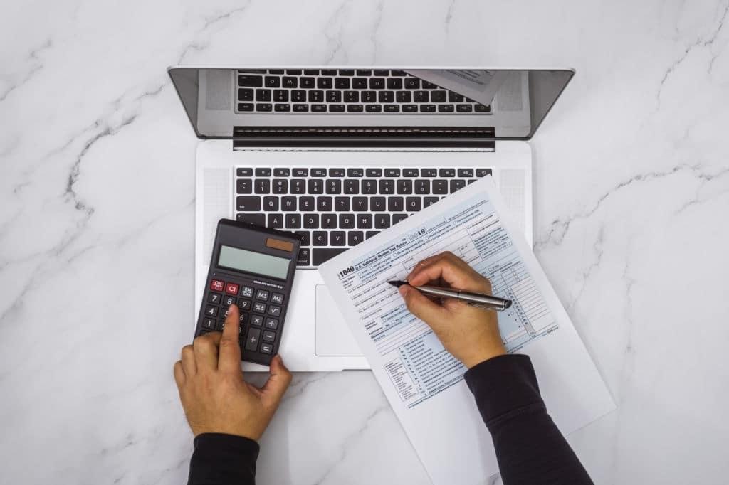 qué impuestos pagar por invertir