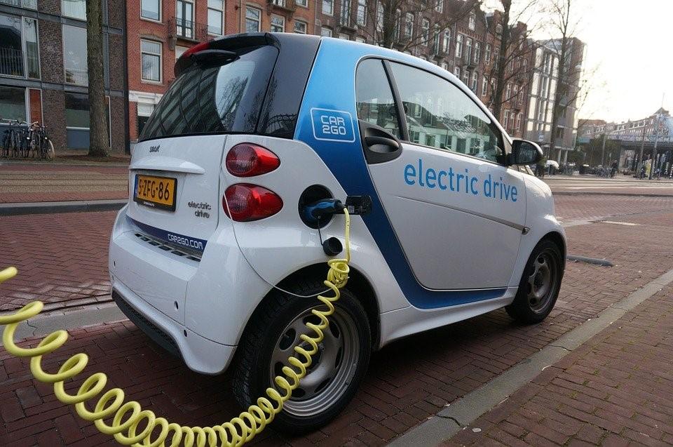 Tarifa coche eléctrico Holaluz