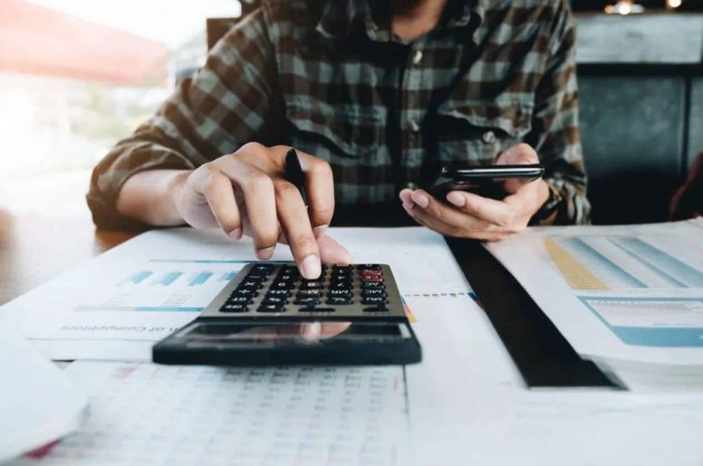 Debes calcular comisiones y otras condiciones para elegir la mejor cuenta bancaria